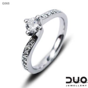 Годежен пръстен G065- Годежен пръстен от бяло злато с диаманти