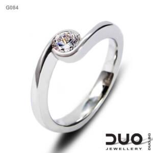 Годежен пръстен G084- Годежен пръстен от бяло злато с диамант