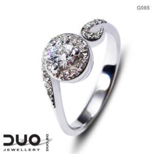 Годежен пръстен G085- Годежен пръстен от бяло злато с диаманти
