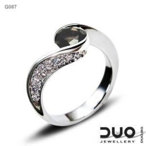 Годежен пръстен G087- Годежен пръстен от бяло злато с диаманти