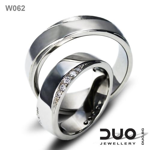 Брачни халки W062 - Венчални халки от бяло злато с ювелирни циркони