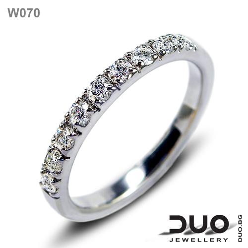 Брачна халка W070 - Венчална халки от бяло злато с диаманти